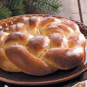 Braided Wreath Bread