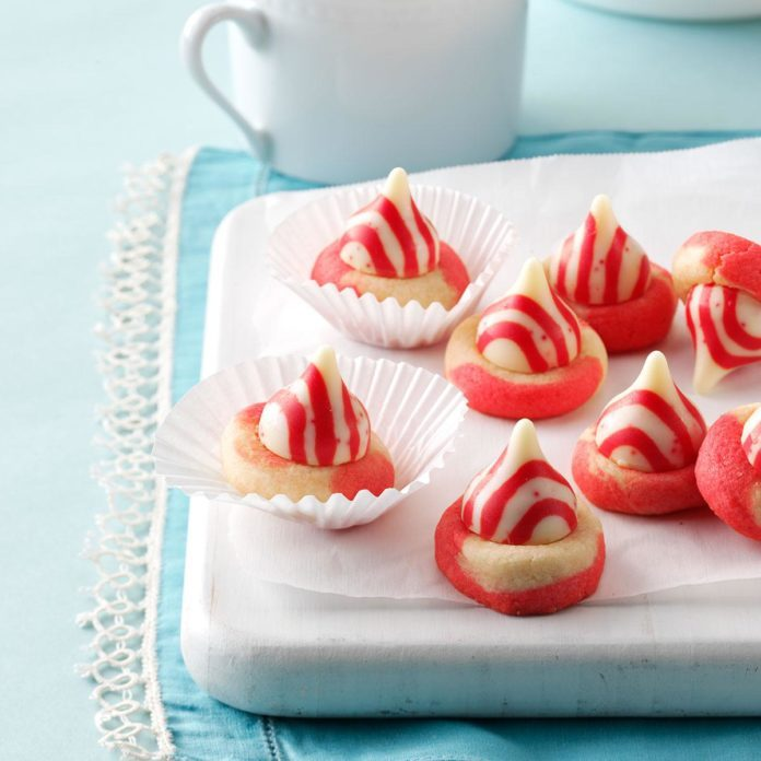 Peppermint Twist Kisses