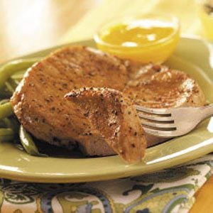 Broiled Pork Chops with Mango Sauce