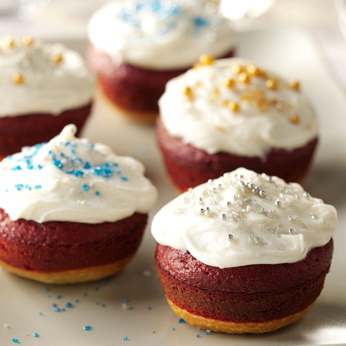 Little Holiday Cakes