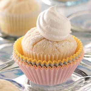 Classic Yellow Cupcakes