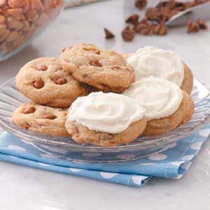 Iced Cinnamon Chip Cookies