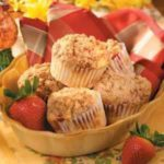 Streusel Strawberry Muffins