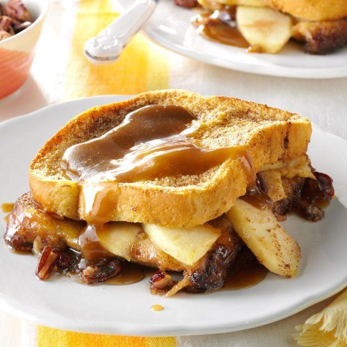 Kentucky : Apple-Stuffed French Toast Bake