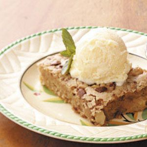 Walnut-Apple Snack Cake