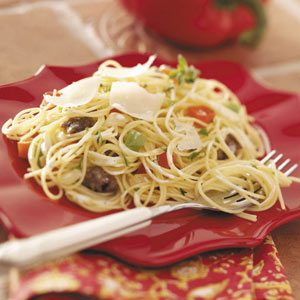 Pasta with Sausage 'n'  Peppers