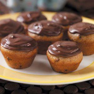 Banana-Chip Mini Cupcakes