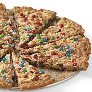 Oatmeal Cookie Pizza