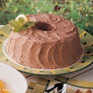 Fluffy Chocolate Mousse Frosting