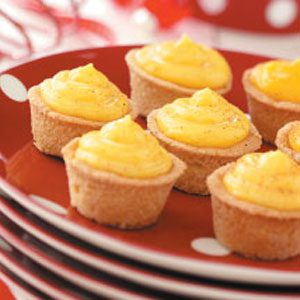Eggnog-Filled Cookie Cups