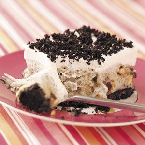 Nutty Cookies & Cream Dessert