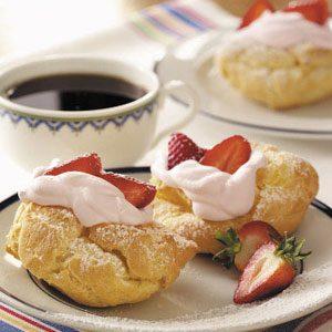 Strawberry Cream Puff Dessert
