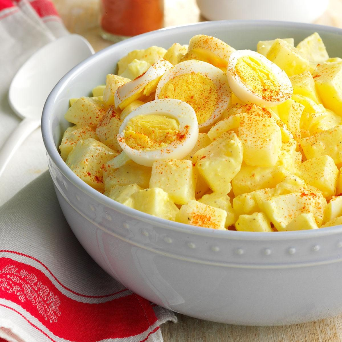 How To Make Simple Potato Salad With Eggs