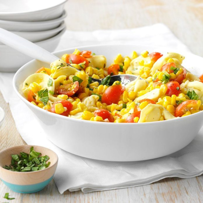 Cheese Tortellini with Tomatoes and Corn