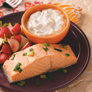 Chilled Salmon with Cucumber-Dill Sauce