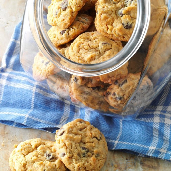 Chocolate Chip Peanut Butter Cookies