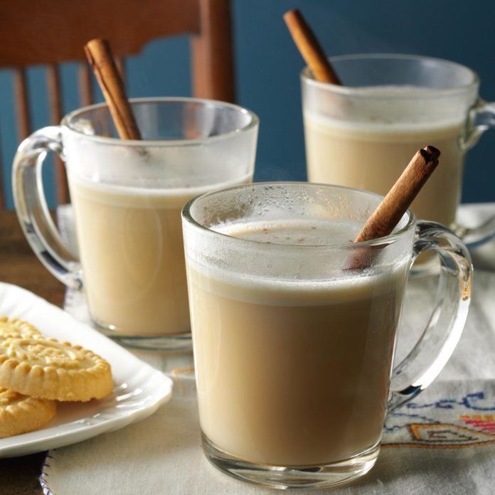 After-Dinner Drinks: Hot Almond N Cream Drink