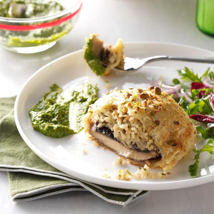 Portobello Wellingtons with Spinach Pistachio Pesto