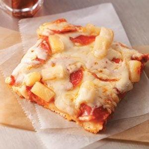 Kickin' Hawaiian Pizza