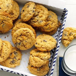 Oat-Rageous Chocolate Chip Cookies