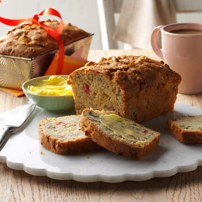 South Dakota: Apple-Rhubarb Bread