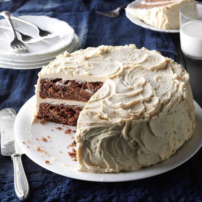 Aunt Murna's Jam Cake
