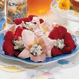 Lemon Balm Stuffed Daylilies Salad