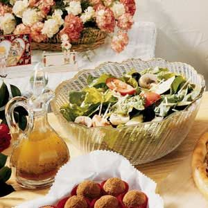 Quick Tossed Salad with Homemade Vinaigrette