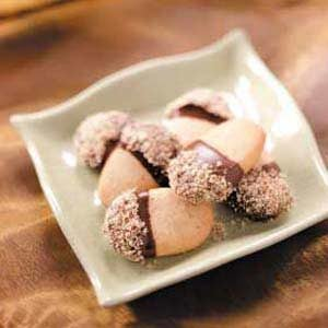 Chocolate Nut Acorns