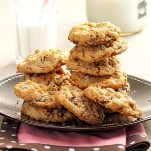 30 Oatmeal Cookie Recipes to Add to Your Collection
