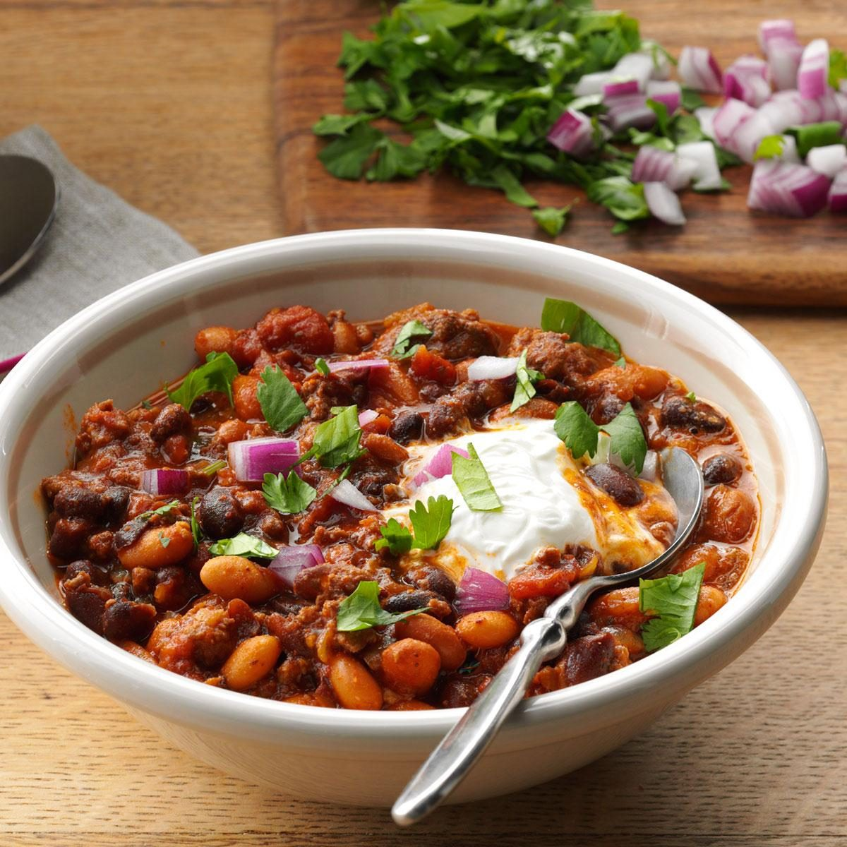 Bean & Beef Slow-Cooked Chili