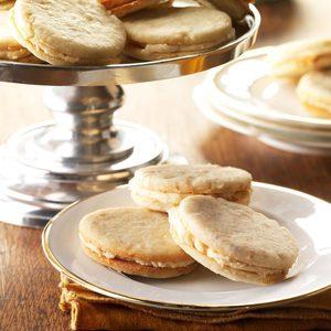 Banana Cream Sandwich Cookies