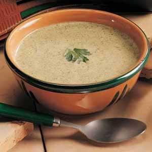 Creamy Broccoli Soup with Nutmeg