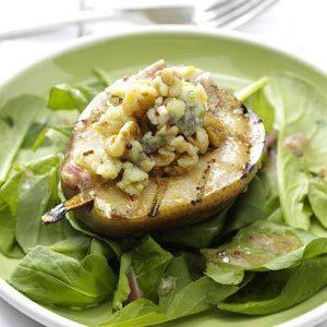 Grilled Gorgonzola Pear Salad