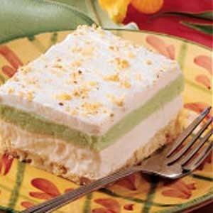 Fluffy Pistachio Dessert