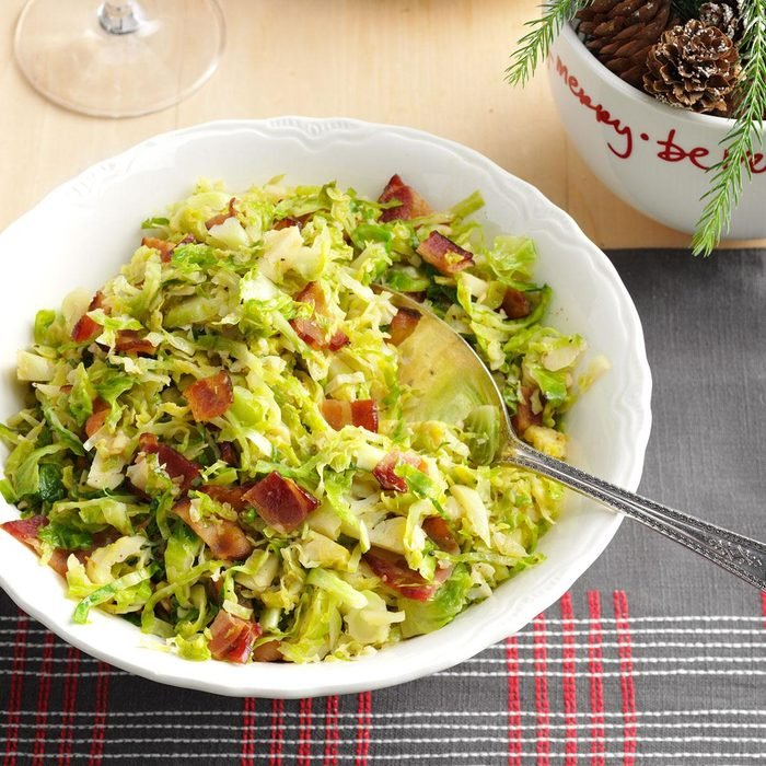 Low-Carb Brussels Sprouts with Bacon & Garlic