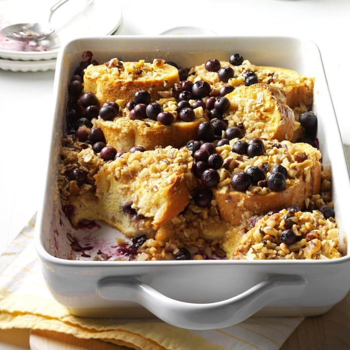 Blueberry Crunch Breakfast Bake