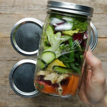 How to Build a Salad in a Jar (Without It Turning into a Soggy Mess!)