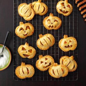 25 Spooky Recipes for Your Pumpkin Halloween Party