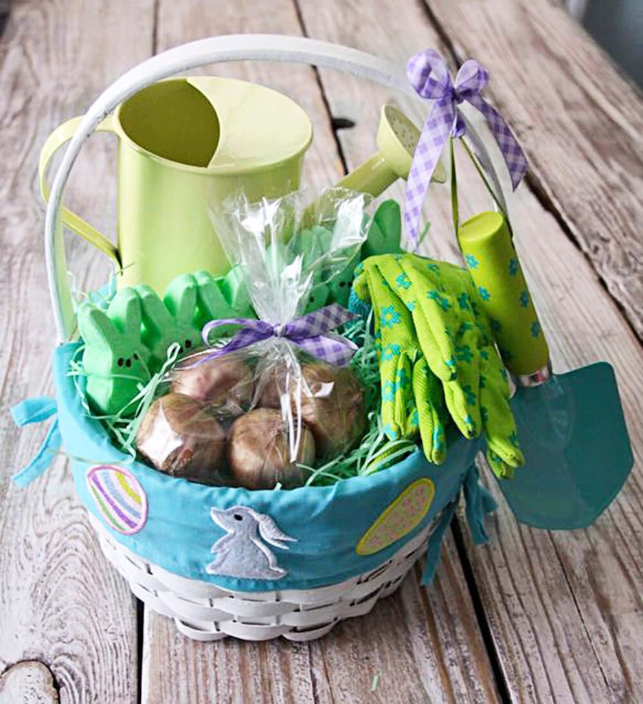 Easy easter basket ideas for gardeners taste of home when it comes to easter baskets who can resist indulging in heaps of chocolate bunnies and marshmallow chicks but not all baskets have to be candy filled negle Choice Image
