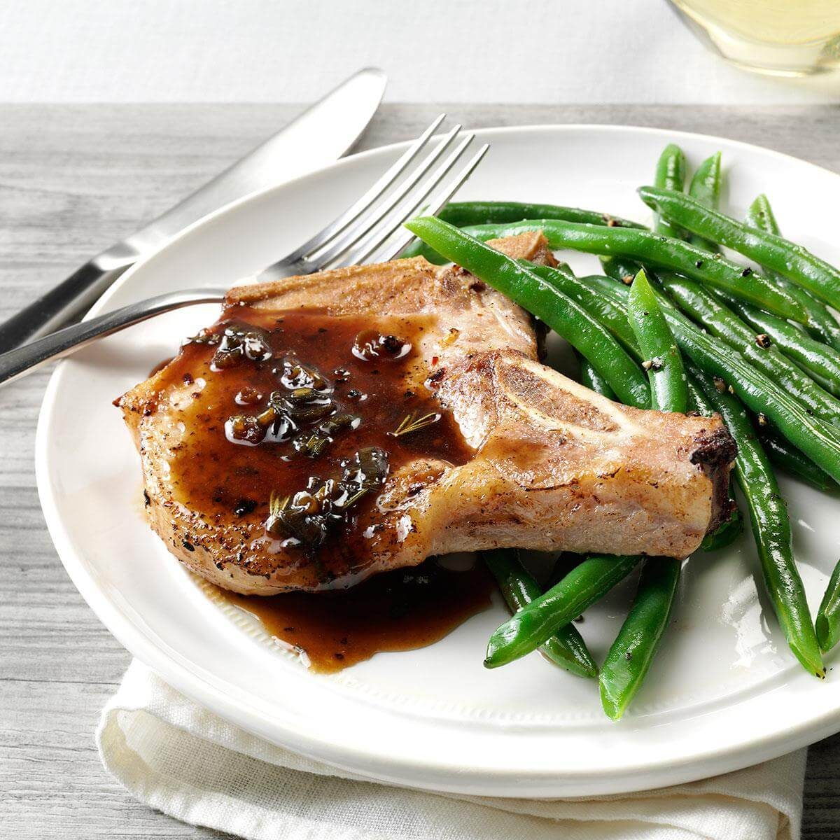 Pork Chops with Honey-Balsamic Glaze