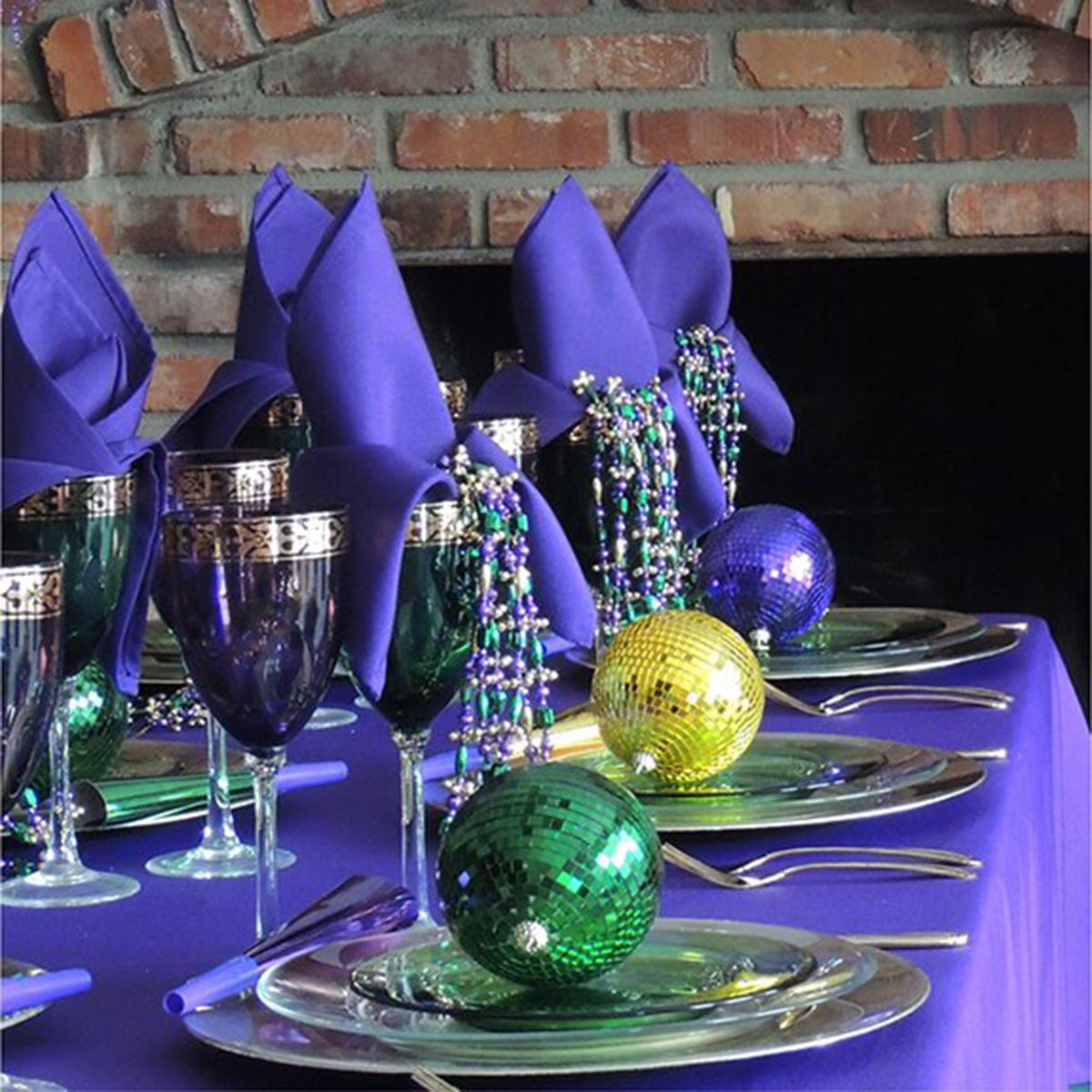 10 Fun Centerpiece Ideas For Your Mardi Gras Party Taste Of Home