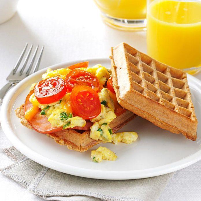 Day 4 Lunch: Waffle Sandwich