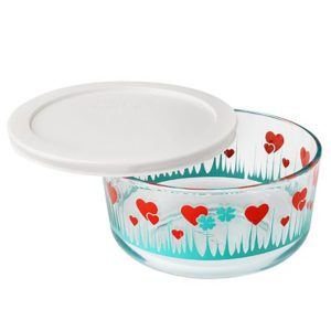 "Pyrex Brings Back This Popular Vintage Pattern, and We're ""Lucky in Love"""