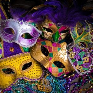 10 Fun Centerpiece Ideas for Your Mardi Gras Party