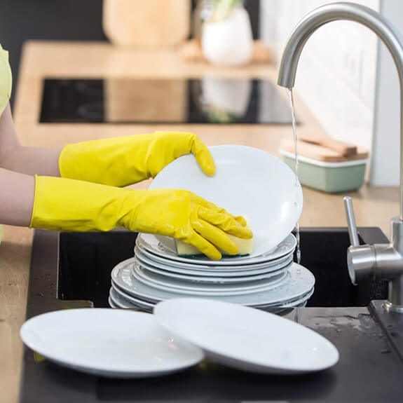 3 Reasons Why You Should Always Wear Dish Gloves at the Sink