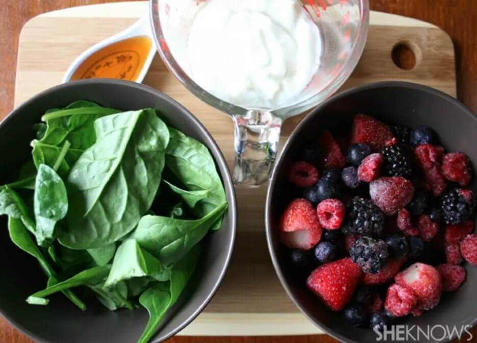 Ingredients for berry smoothie