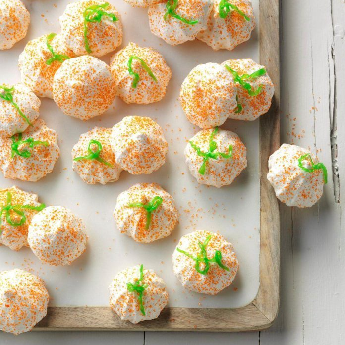 Mini Meringue Pumpkins
