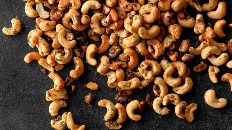 Garlic & Onion Cashews