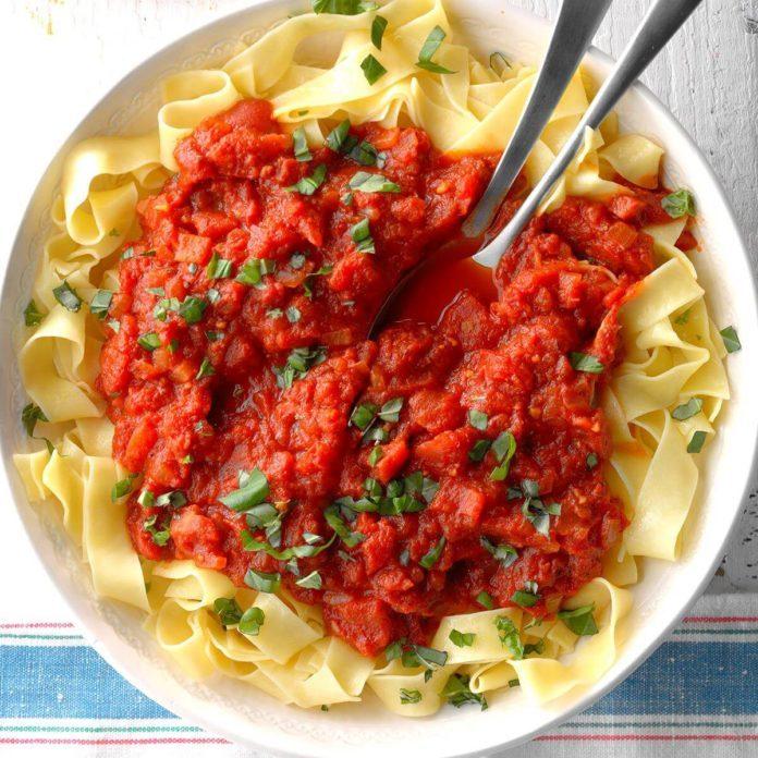 Start With: Homemade Meatless Spaghetti Sauce
